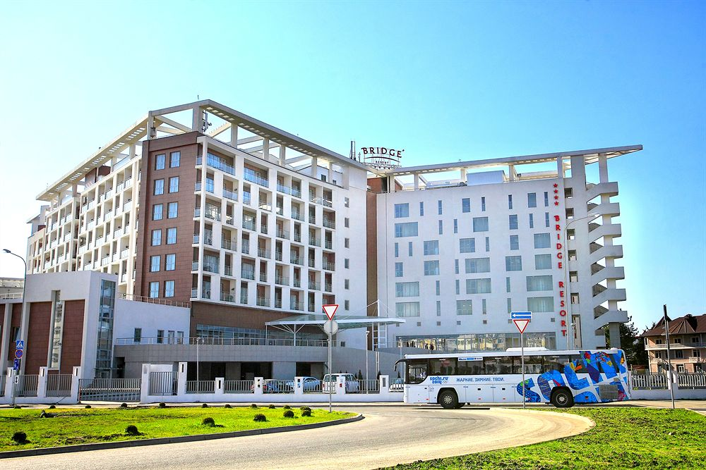 Отель Bridge Resort 4*